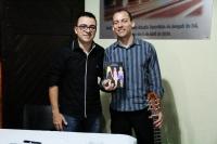 View the album Lançamento do livro ARRUMADINHAS de MARCELO LAMAS em 06.08.2013